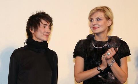 Земфира и Рената Литвинова