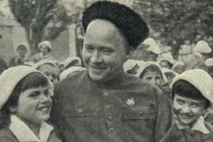 Гайдар Аркадий Петрович ( Голиков ) - биография, фото, личная жизнь