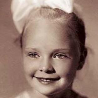 Наташа Белохвостикова в детстве