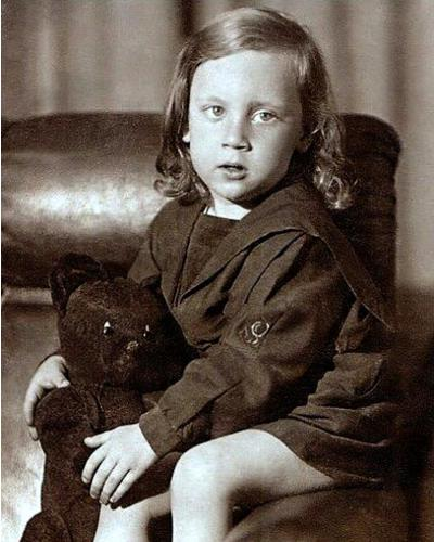 Вова Высоцкий в детстве, 3 года, июнь 1941 год