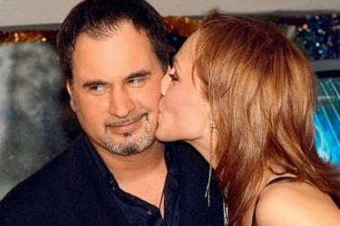 Одно из самых популярных совместных фото звездной пары Альбины Джанабаевой и Валерия Меладзе