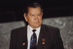 Алексей Маресьев - биография о настоящем человеке: легендарный летчик