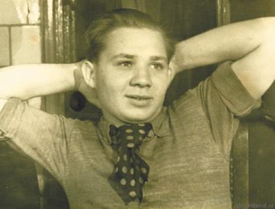Евгений Леонов в юности