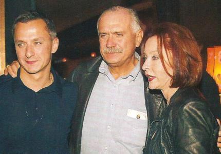 Анастасия Вертинская с Михалковым и сыном Степаном