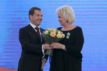Вручение награды Анне Вески