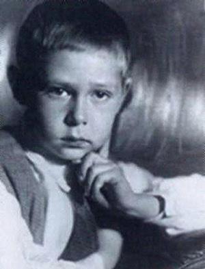 Олег Ефремов в детстве