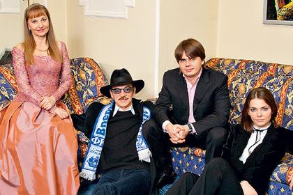 Семья Боярских вместе