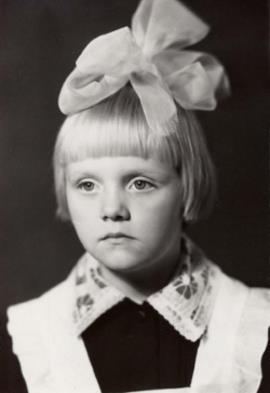 Валерия (Алла Перфилова) в детстве