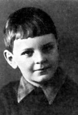 Юра Яковлев в детстве