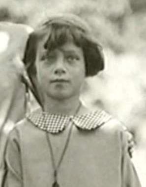 Таня Пельтцер в детстве