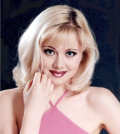 """В 1991 году Натали была солисткой в группе """"Шоколадный бар""""."""