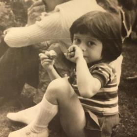 Наргиз Закирова в детстве