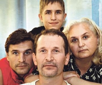 Федор Добронравов с семьёй