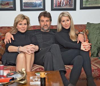 Леонид Ярмольник с семьей