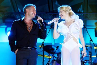 Леонид Агутин и Анжелика Варум на сцене