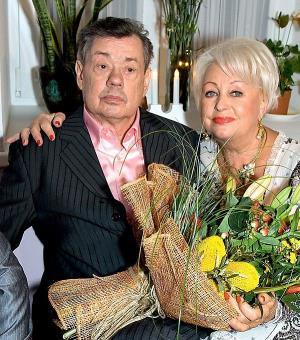 Николай Караченцов и его заботливая супруга Людмила Поргина