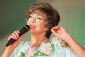 Эдита Пьеха: я голосом исцелила одержимого поклонника