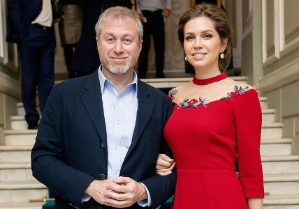 Роман Абрамович с женой Дарьей Жуковой