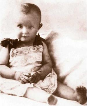 Таня Доронина в детстве
