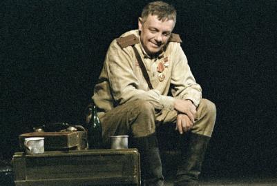 Кирилл Лавров на сцене театра