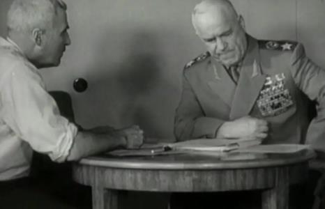 Константин Симонов с маршалом Жуковым