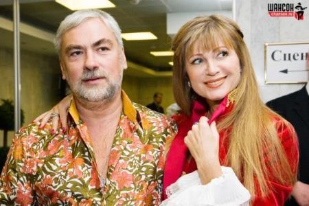 Вика Цыганова с мужем Вадимом.