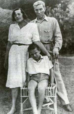 Борис Пастернак и Зинаида Нейгауз с сыном