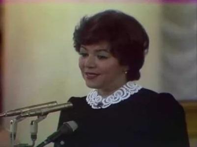 Майя Кристалинская на сцене