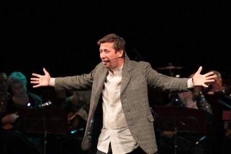 Андрей Мерзликин на сцене театра
