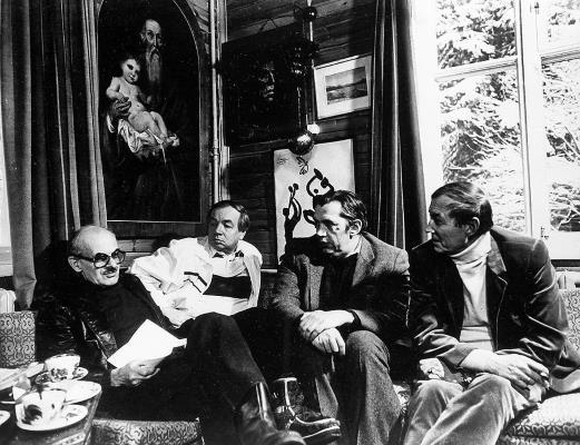 На фото: слева-направо Булат Окуджава, Андрей Вознесенский, Роберт Рождественский, Евгений Евтушенко