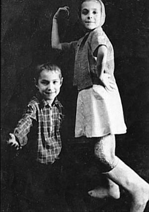 Борис Хмельницкий в детстве с сестрой Луизой