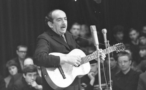 Александр Галич на сцене