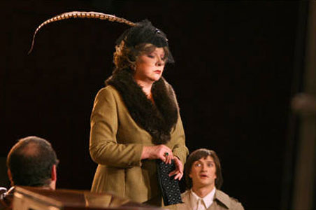 Наталья Тенякова на сцене театра