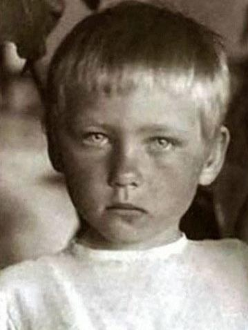 Ия Саввина в детстве