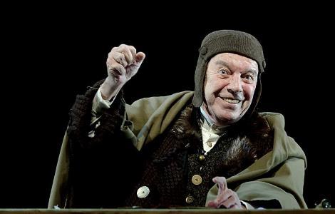 Вячеслав Шалевич на сцене театра