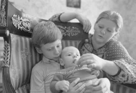 Ирина Муравьева и ее дети Даниил и Женя