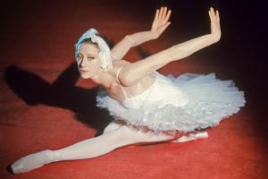 Майя Плисецкая - биография, фото, балет, личная жизнь балерины