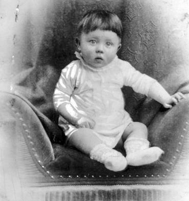 Адольф Гитлер в раннем детстве