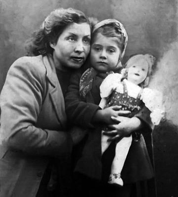 Ира Мирошниченко с мамой Екатериной Антоновной