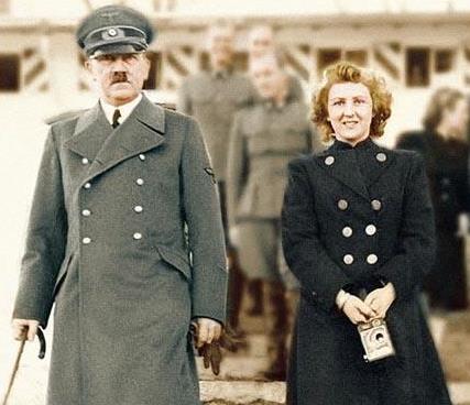 Ева Браун с Гитлером
