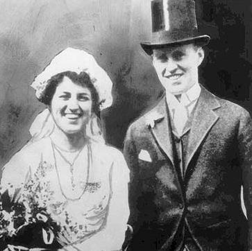 Джозеф Патрик женился на Розе из меркантильных соображений.
