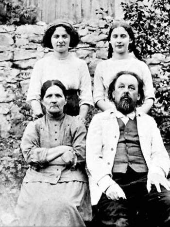 Всю жизнь Циолковский был верен свой супруге.