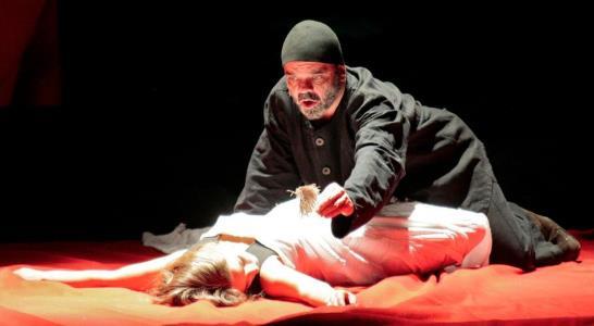 Константин Райкин на сцене театра