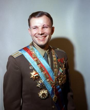 Первый космонавт - Юрий Гагарин