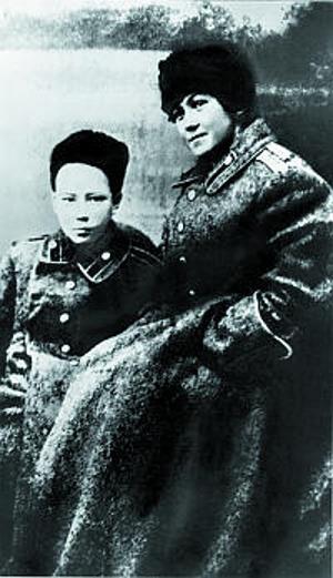 Таисия Марковина с сыном Юрием