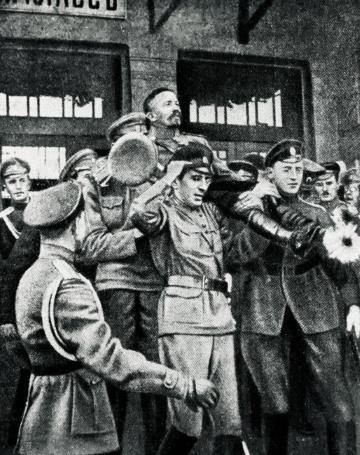 13 августа 1917 года Корнилова встречали в Москве как спасителя России