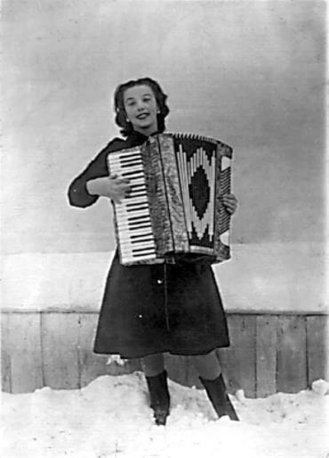 Лидия Русланова в молодости