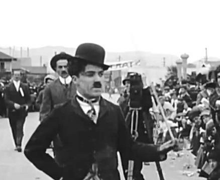 """Чарли Чаплин в фильме """"Детские автомобильные гонки"""""""