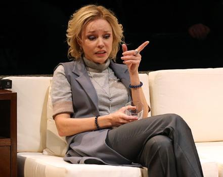 Марина Зудина на сцене театра