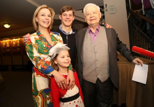 Марина Зудина с семьей